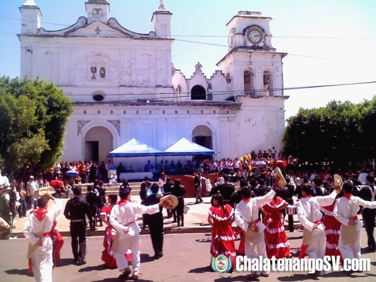 Día de la Raza y Festival de Bandas en Chalatenango