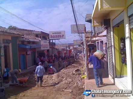 Continua el mejoramiento de la Calle Morazán en Chalatenango