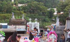 Chalatecos conmemoran el dia de los difuntos