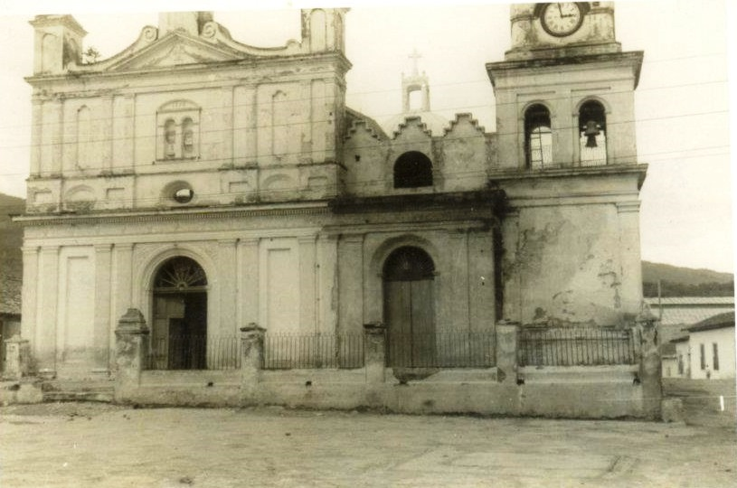 Catedral de Chalatenango (1958)